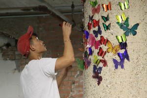 Volunteers-hang-butterflies